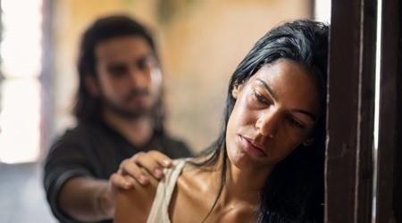 Stockholm-szindróma: agymosással elért kötődés